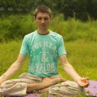 Полулотос для медитации в йоге