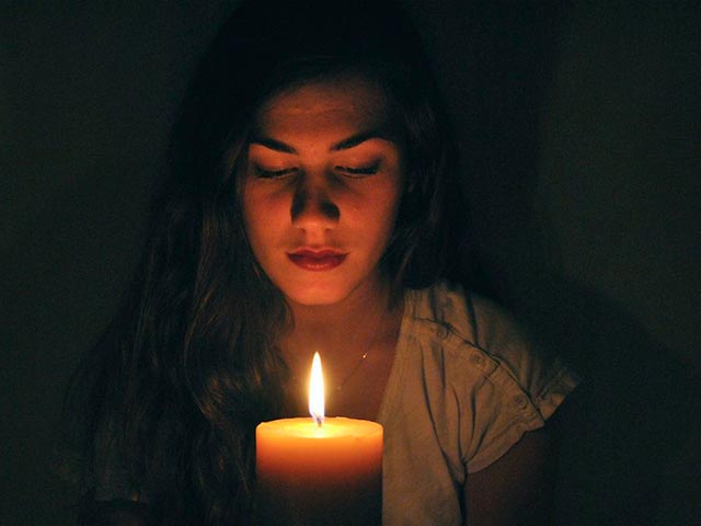 Медитация на свечу Фото