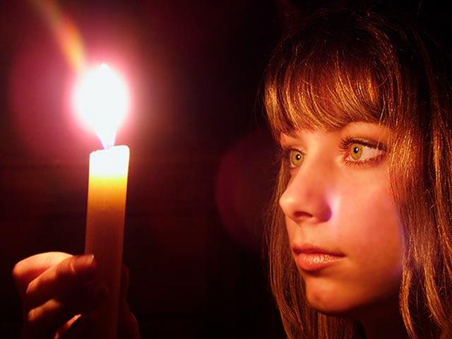 Медитация на пламя свечи Фото